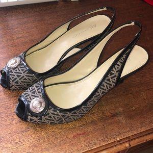 Anne Klein Black and Tan Heels